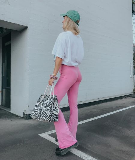 Pink Trousers for Fall #pink #fall #pants #flared