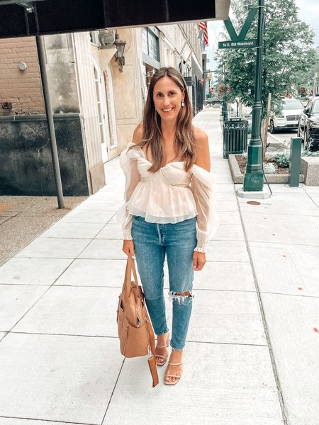 #thisis40 when moms out livin like she's 29 🤣 This top is just dreamy 😍  #LTKshoecrush #LTKstyletip