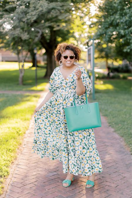 This dress, this print!!!!! 💚💚💚💚💚. Fit is TTS! http://liketk.it/3ib0U #liketkit @liketoknow.it You can instantly shop my looks by following me on the LIKEtoKNOW.it shopping app