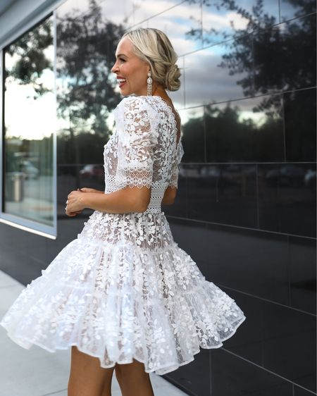 A twirl moment to all my fellow fall and winters brides, today on L&F! Sharing lots of fun LWD finds for a bridal shower, rehearsal dinner, and whatever else fun event you may have had to put on hold! {Link to blog post in my bio}  . . #forthebride #lwd #fallwedding  #LTKwedding