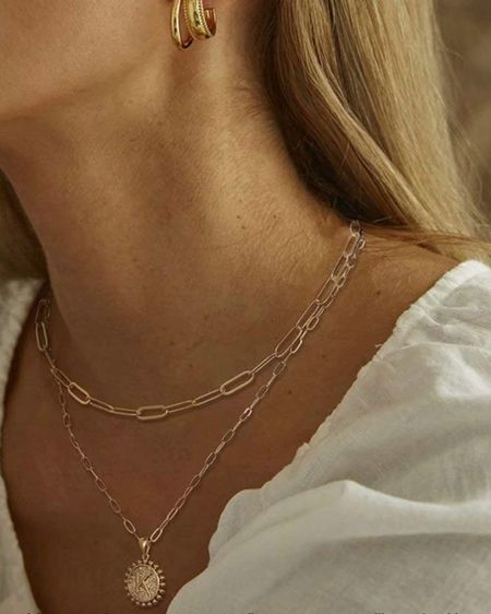 Obsessed with the layer necklace!! 2 necklaces for only $10? I'm in! 😍 http://liketk.it/397g2 #liketkit @liketoknow.it #necklace #LTKunder100 #LTKunder50