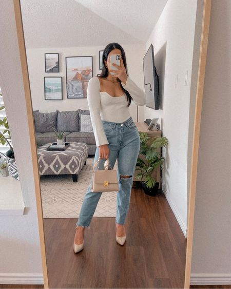 Get 15% off SHEIN with code: Q3YGJESS Get 10% off AWE INSPIRED JEWELRY with code: JESSICAMELGOZA_10  Fall style, fall outfit, fall fashion, fall 2021, white long sleeve knit top, high rise denim jeans, beige pump heels, beige satchel bag, gold necklace, gold hoop earrings