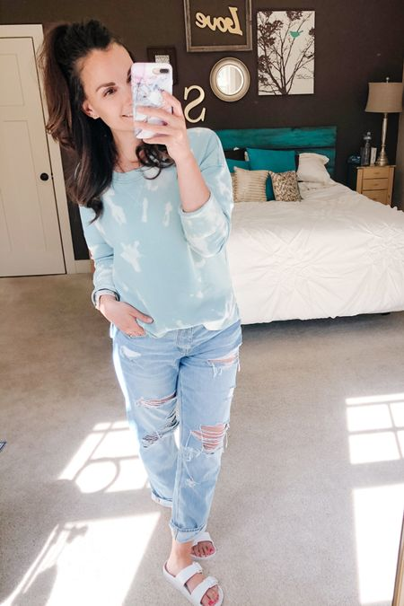 DIY tie dye sweatshirt #2!! Another win! I linked a few basic crew neck sweatshirt options if you wanna do some tie dying yourself. Also same jeans different day! Loving these tomgirl jeans! http://liketk.it/2Pea1 #liketkit @liketoknow.it #LTKstyletip You can instantly shop my looks by following me on the LIKEtoKNOW.it shopping app