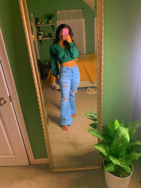 I'm a size 10 in the jeans. It stretchy so could have gotten an 8. I'm a size medium in the top!  #LTKunder50 #LTKstyletip #LTKunder100