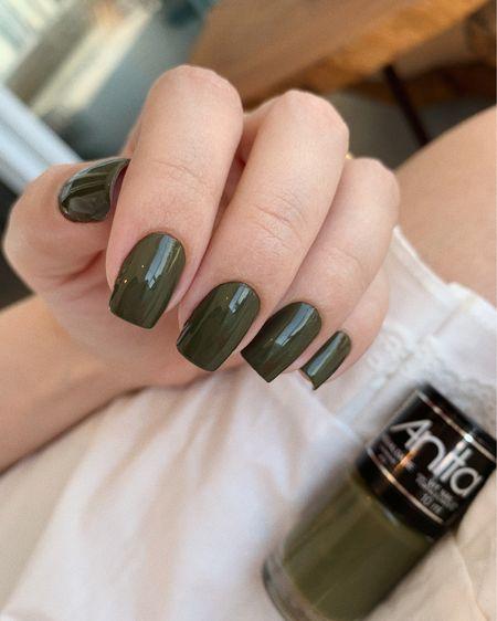 The color trend of 2020 for nail polish! 😍 @liketoknow.it http://liketk.it/2ZBhQ #liketkit @liketoknow.it.brasil #LTKbrasil #LTKbeauty #StayHomeWithLTK