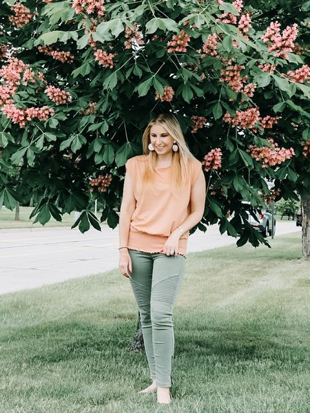 Love this smock hem top from Target. Its only $12! The shoulders are so flattering too! I'd hurry and get one in multiple colors before they sell out 🌿  @liketoknow.it #liketkit #LTKunder50 #LTKstyletip http://liketk.it/3g1Wm