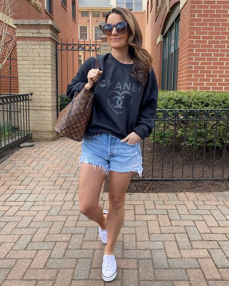 Happy Wednesday! Rounding up a bunch of graphic sweatshirts and tshirts for y'all - all in stock and under $50! Get details with the link in my bio.  http://liketk.it/3euPy #liketkit @liketoknow.it  . . . . #graphictshirt #graphicsweatshirt #tshirt #pullovers #comfy #casualstyle #designerinspired #whatiwore #va #dmv #agolde #whitesneakers