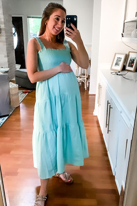 Loving this bump friendly smocked dress. Perfect maternity dress or postpartum dress but also something I'll be able to wear for years to come. http://liketk.it/3j95n #liketkit @liketoknow.it   #LTKbump
