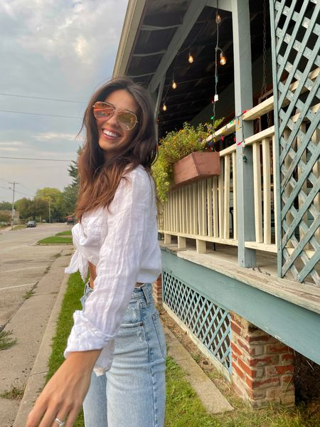 Simple elegant fall fashion outfit white linen button up top and viral Abercrombie light wash 90s high rise ultra straight leg jeans   #LTKunder100 #LTKfit #LTKstyletip