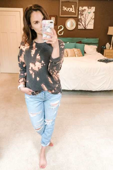 I'm obsessed with how this DIY tie dye sweatshirt turned out!! http://liketk.it/2Pa8C #liketkit @liketoknow.it #LTKstyletip Shop my daily looks by following me on the LIKEtoKNOW.it shopping app