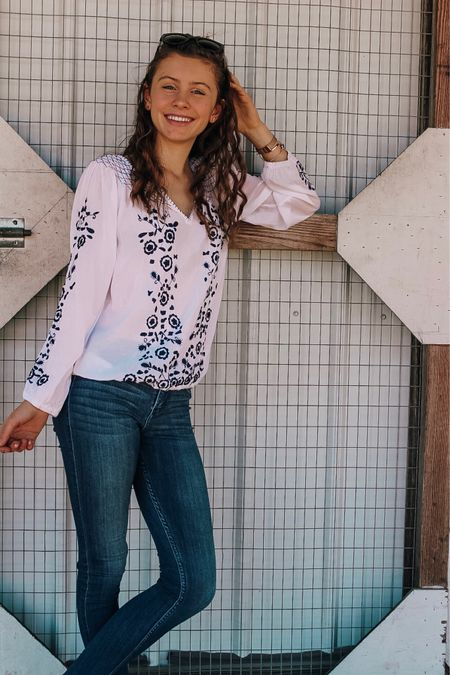 New blog post up on this embroidered top and jeans combo! Click the link in my bio to read or search styledsouthern.com 😊 have a great day! .  Download the @liketoknow.it app to shop this pic via screenshot #liketkit http://liketk.it/2zfn4 📱