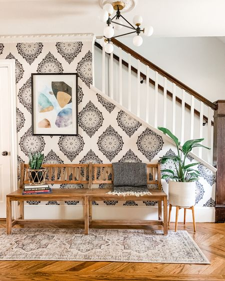 An elegant and eclectic entryway. http://liketk.it/2LmPy #liketkit @liketoknow.it