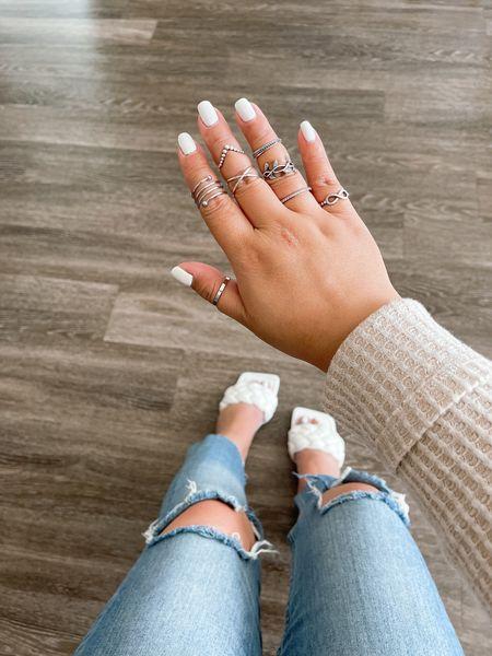 Shein finds under $20 + knee ripped jeans http://liketk.it/3cSVZ #liketkit @liketoknow.it     #LTKbeauty #LTKstyletip #LTKunder50