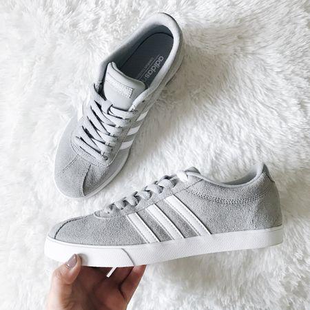 This week I was able to get my hands on this cute pair of @adidas sneakers 👏🏻 I barely have these kind of shoes so I decided to add them in my collection 💕 BTW these were only $50 at @dsw - go get yourself a pair! Screenshot this image and get all the details in the @liketoknow.it app 😘 #liketkit http://liketk.it/2qJHN  -------- Esta semana tuve la oportunidad de encontrar estos tenis de @adidas 😍 No tengo muchos de este tipo de zapato, entonces decidí comprármelos. @dsw los tiene a $50 😱 Tómale una foto a esta foto y recibe donde puedes comprar estos y muchos más en la aplicación de @liketoknow.it 💕