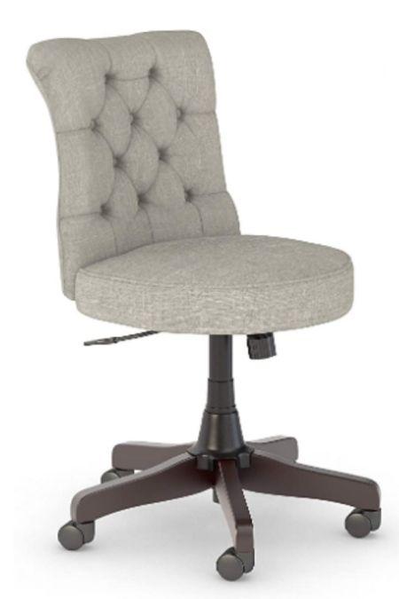 http://liketk.it/3ecqs #liketkit @liketoknow.it #modernfarmhouse #office #chair
