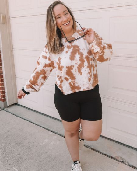 """Pinterest fashion inspo... but make it midsize. 🖤  I've seen this done a few times, but I especially love @schultzzie's take on this trend and was inspired to try it myself.  I love using @pinterest to get outfit inspiration but the most trending outfit photos don't usually look like me. I'm so glad that seeing midsize and plus size bodies on social media is slowly becoming more normalized, but we're not quite there yet so I though I'd add to it. If you're not wearing a trend/style you like because you think you have to have a flat stomach and get rid of your love handles...I'm here to tell ya that's not true. I'm a pretty solid size 12/large, have a nice little mom tummy from two kids, and some thicc thighs. This is me in a cropped sweatshirt and bike shorts, feeling like a super model.  I style women of all different shapes/sizes/ages and it kills me when I hear a client say """"I love this trend but I can't wear it because _____."""" I'm going to do anything I can to change that.  Swipe for my inspo pics and follow me on the LIKEtoKNOW.it shopping app to get the product details for this look and others. (Link in bio of course) http://liketk.it/2ZczI @liketoknow.it #liketkit #LTKcurves #LTKstyletip #LTKshoecrush"""