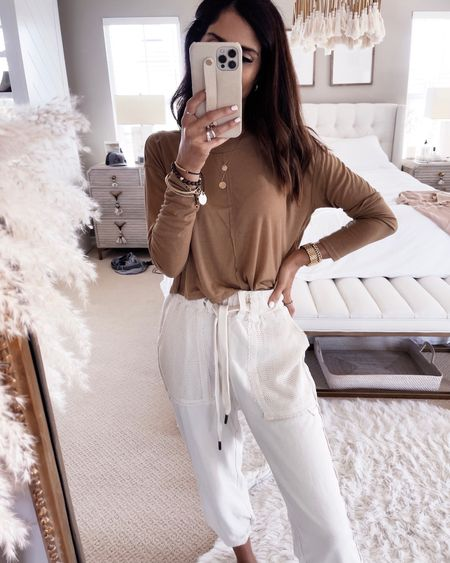 Cozy joggers, sweater top, fall looks, Stylinbyaylin