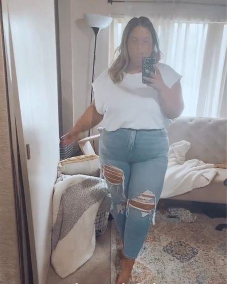 Literally the most comfy & stretchy mom Jeans around! http://liketk.it/3iWbR #liketkit @liketoknow.it #LTKcurves #LTKstyletip #LTKunder100