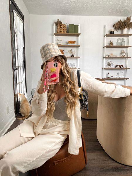 New bucket hat 🤍   #LTKSeasonal #LTKGifts #LTKHoliday