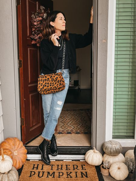 @able Irene cardigan  20% off with code ARTINTHEFIND20  Jeans @levis  Boots @madewell  Bag @clarev    #LTKHoliday #LTKSeasonal #LTKstyletip