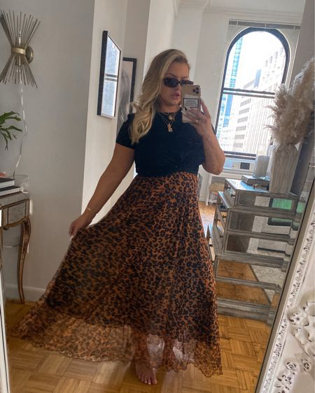 Quick spin in a nice skirt before I go back into my cocoon on the couch and sneeze a thousand times   http://liketk.it/3fQN0 @liketoknow.it #liketkit #LTKunder50 #LTKunder100