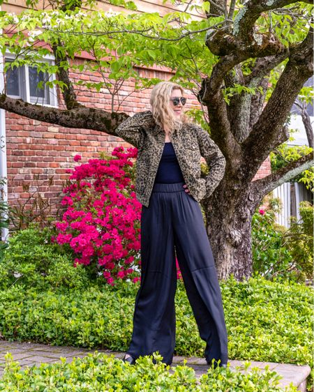 They're back! Palazzo pants from the 90's are back and I love them just as much now as I did then! So easy and breezy! http://liketk.it/3ha6F #liketkit @liketoknow.it #LTKstyletip