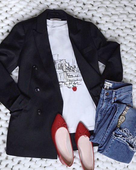 Everyday outfit chic style New York City shirt Madewell jeans   #LTKshoecrush #LTKstyletip #LTKunder100