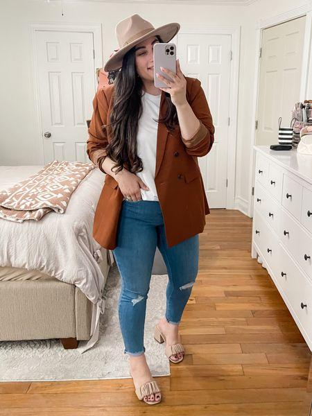 Fall outfits, amazon fall, women's fall outfits, blazer, curvy fashion, size 10, Abercrombie jeans, outfit inspiration, brown blazer, minimalist style   #LTKcurves #LTKshoecrush #LTKunder50