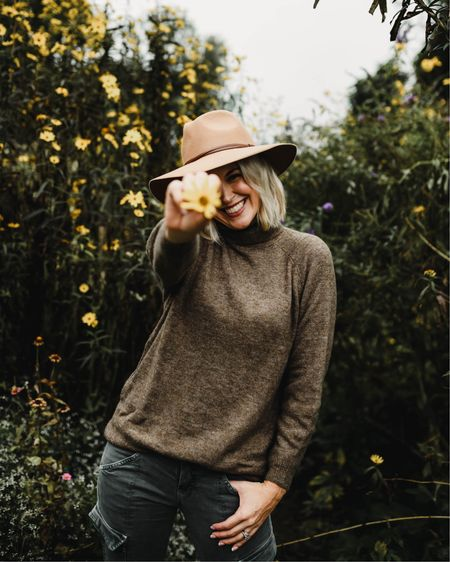 H&M Brown turtleneck tunic sweater $30 Skinny cargo pants Urban Outfitters Wide brim hat $40 Casual fall outfit Thanksgiving outfit   @liketoknow.it http://liketk.it/2Gsr4 #liketkit #LTKstyletip #LTKunder100 #ltkfall