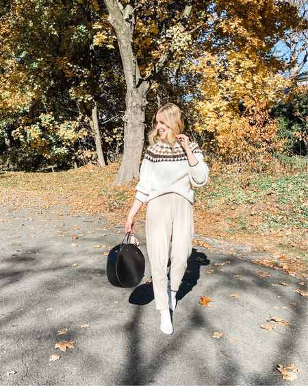 Evidence that I can take a pic without my kids and wear an outfit sans stretch. 😝  #momlife #thanksgivingoutfit #fallstyle http://liketk.it/30VZq #liketkit @liketoknow.it #LTKunder50 #LTKstyletip #LTKFall