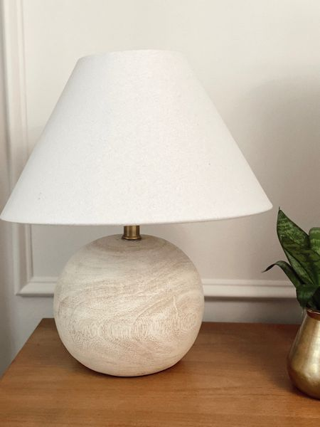 This lamp is the perfect size for a desk or a smaller night stand (or anywhere else really). It's beautiful and a steal!  #affordablehomedecor #homedecor    #LTKhome
