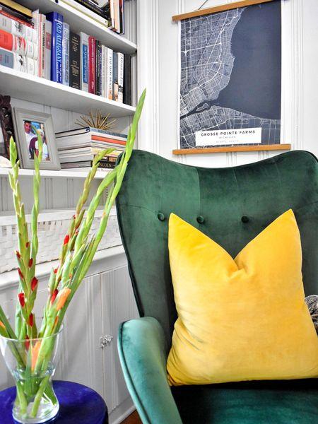 Favorite little corner 💚 #decorandmoredesigns  . . .  #liketkit #LTKhome @liketoknow.it @liketoknow.it.home http://liketk.it/2TOpk
