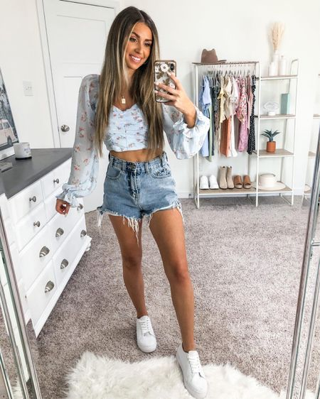 casual summer outfit 🤍 floral top is windsor, runs true to size + is under $40 http://liketk.it/3ifGQ #liketkit @liketoknow.it #LTKunder50 #LTKstyletip #LTKshoecrush