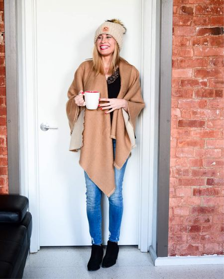 Follow me on the LIKEtoKNOW.it app to get the product details for this look! http://liketk.it/2yVXP #liketkit @liketoknow.it #LTKholidaystyle #LTKholidaywishlist #LTKholidaygiftguide #LTKsalealert #LTKunder100