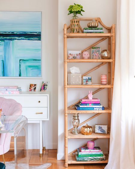Watching this is so soothing to me 🤣🤗 What do you think about this new addition to my office space? Sharing all of the details & links under in this post under the 'Decor' tab on amylittleson.com 💕 #LTKhome #apartmentdecor #homefinds #shelf #bookshelf