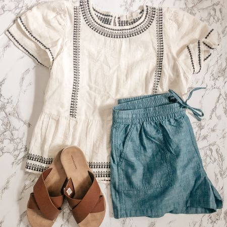 Perfect spring outfit ✨ size medium petite top and medium bottoms   #LTKSeasonal #LTKsalealert #LTKunder50