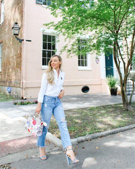 Walking on sunshinneeee in the best jeans and heels! 🙌🏻☀️ Wearing a 26 in the jeans #liketkit http://liketk.it/3hcuj #LTKshoecrush #LTKworkwear #LTKstyletip @liketoknow.it