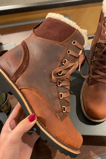 How cute are these leather boots! 😍 #llbeanboots #leatherboots #fallfootwear