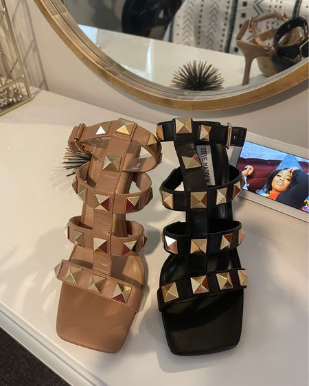 Which color should I keep? The square toe makes this shoe soooo comfy! Shop your screenshot of this pic with the LIKEtoKNOW.it shopping app http://liketk.it/3iSc4 #liketkit @liketoknow.it #nordstrom
