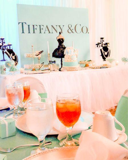 Breakfast at Tiffany's wedding theme 💠 . .  #liketkit @liketoknow.it   http://liketk.it/2J1Lp
