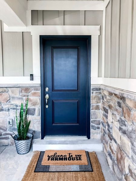 Simple Front Porch Decor #frontporch #outdoorrugs    http://liketk.it/3dmY4 #liketkit @liketoknow.it #LTKhome @liketoknow.it.home