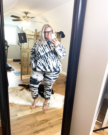 I'm a sucker for some tie-die. All day every day.   Plus-size Nordstrom Trunk Club try on. Athletic wear, and it feels SO good!!    http://liketk.it/37rhO #liketkit #LTKcurves #StayHomeWithLTK #LTKfit @liketoknow.it    You can instantly shop my looks by following me on the LIKEtoKNOW.it shopping app