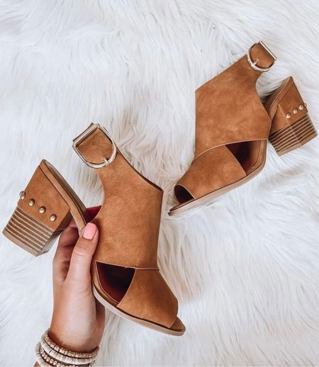 Fall boots, booties, boots, tan boots, fall outfit inspo, fall outfits, fall shoes, brown boots, black boots, white boots, cute boots, trendy shoes  #LTKstyletip #LTKsalealert #LTKshoecrush