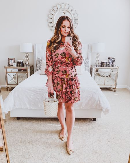 { doesn't quite feel like spring yet but i'm ready for her whenever she wants to come out and play ☺️👗 this pretty floral dress is 60% off right now 🙌🏻 link to shop in bio 📲 http://liketk.it/2MZXL #liketkit @liketoknow.it #LTKspring #LTKstyletip #LTKunder100 }