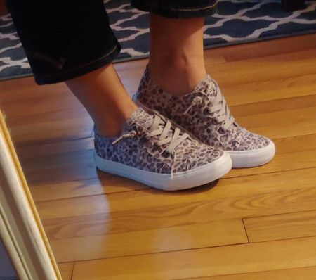 love these sneakers for spring!