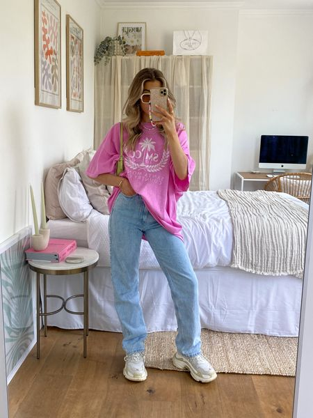 This pink Missguided oversized T-shirt is the perfect piece to team with these weekday Rowe jeans!   I've finished the look with a pair of balenciaga triple s trainers     #LTKeurope