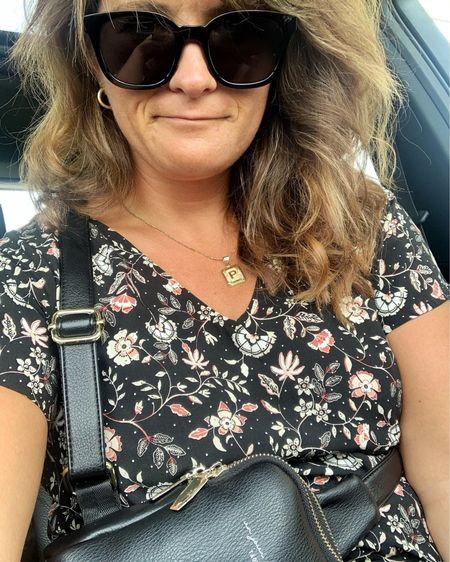 Best sunnies and bag for the errand filled days http://liketk.it/3j77F @liketoknow.it #liketkit