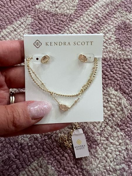 Kendra Scott gives back pieces (gifted)—Kendra Scott will be donating 20% of the proceeds from the sale of these pieces (up to $150,000) to the Breast Cancer Research Foundation!  #LTKunder50 #LTKunder100