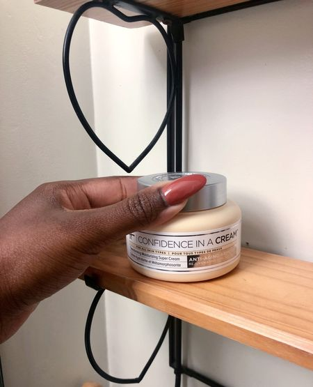 Purchase amazing products from Its Cosmetics like Confidence in a Cream for 25% off site wide* during the Early Gifting Sale 9/19 - 9/21 Gift a loved one or yourself with this luxurious face creams!   #LTKSale #LTKbeauty #LTKsalealert