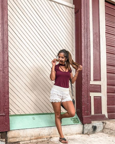 has anyone informed the weather gods that a transition to fall is supposed to be happening this month? 🍁🍂 why am I still in shorts and sandals?! 🙄 (these exact shorts are out of stock but I've linked a bunch of similar ones! shop your screenshot of this photo with the LIKEtoKNOW.it app) http://liketk.it/2xeaA #liketkit @liketoknow.it